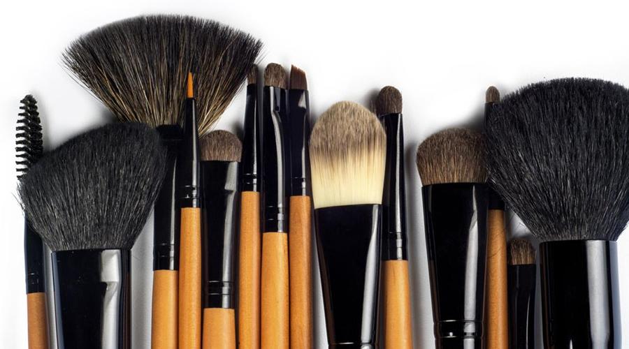 Kάνε γρήγορο μακιγιάζ χρησιμοποιώντας τα σωστά πινέλα