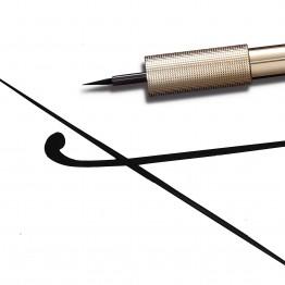 L'Oreal Matte Signature Liquid Eyeliner - 01 Black